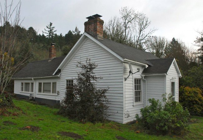 The Carr House, 4595 Dallas Highway in West Salem