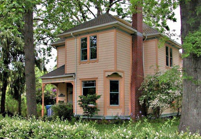 George Eyre, 2093 Mill Street in SESNA (LL)